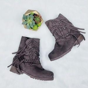 🍁 Brown Laser Cut Fringe Boots